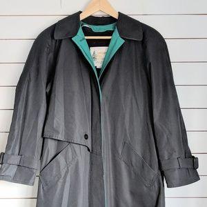 Vintage London Fog raincoat with zip out liner